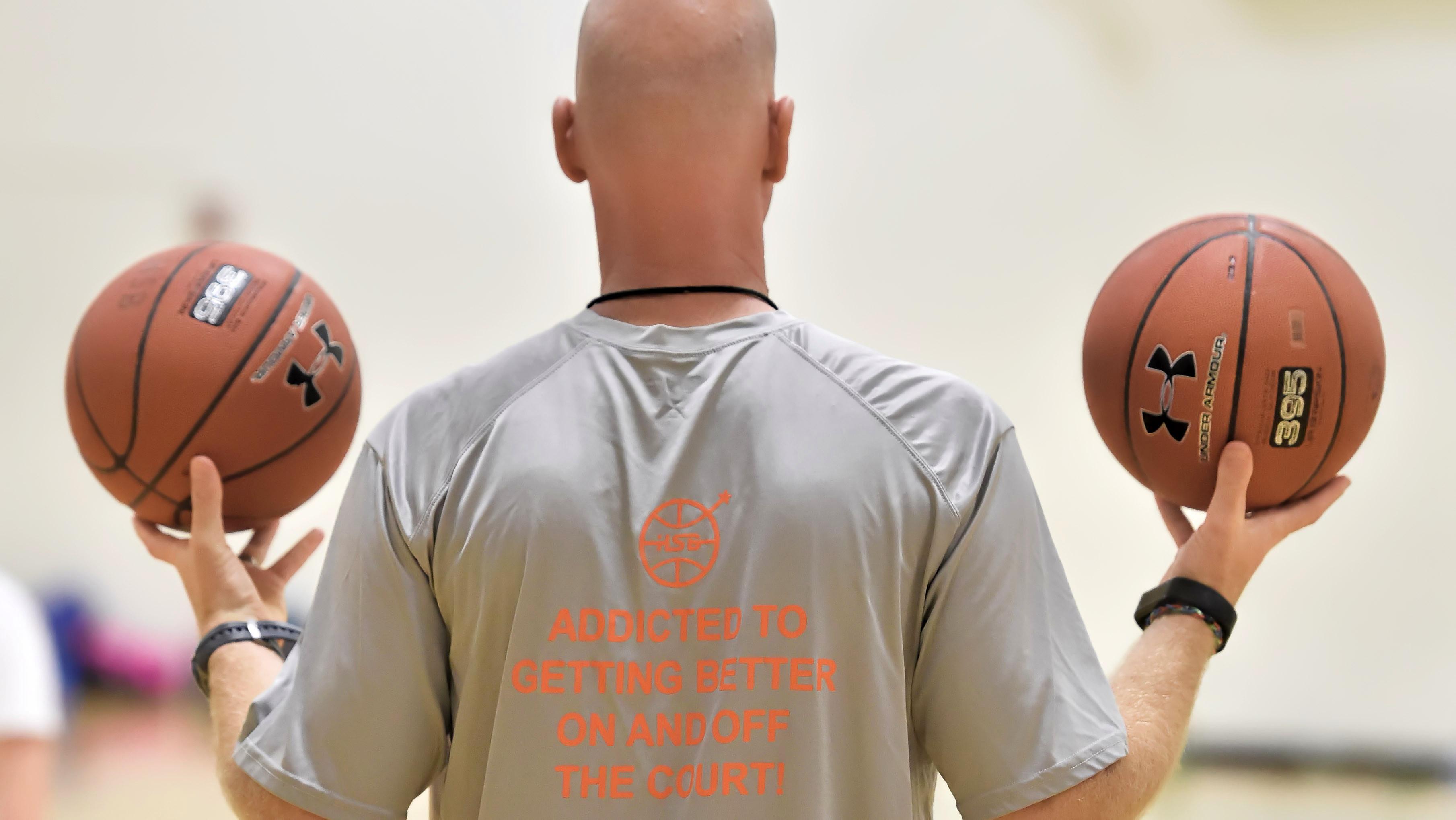 Coach Mike Klinzing